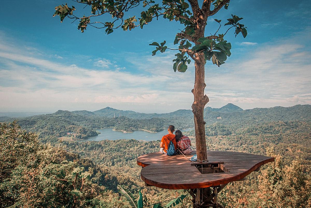 La vista del Kalibiru da una delle piattaforme panoramiche (Shutterstock)