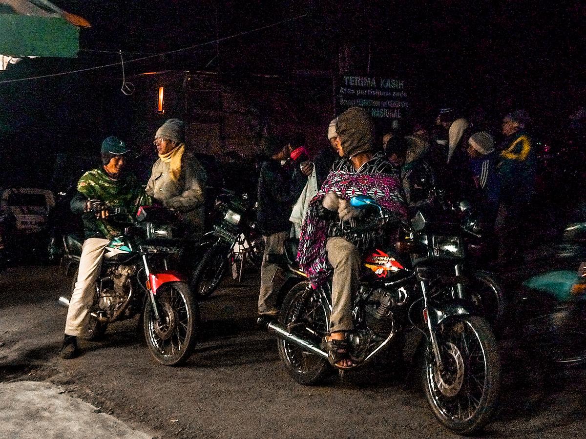 I motociclisti in attesa