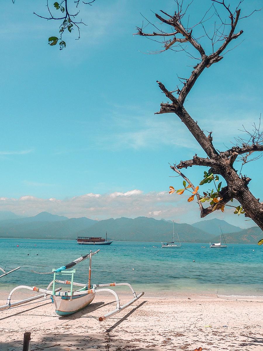 Viaggio In Indonesia. Una barca alle isole Gili