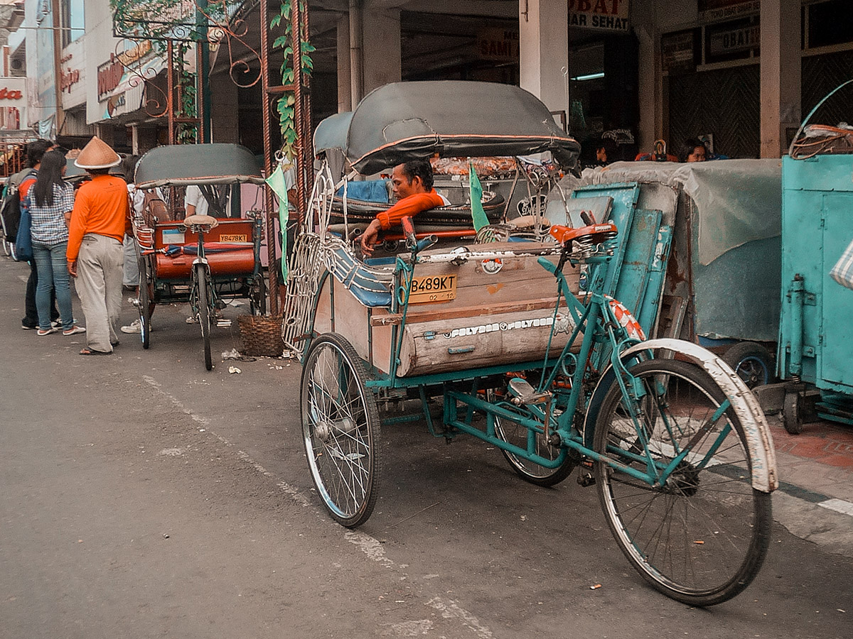 Mezzi di trasporto tradizionali per muoversi in Indonesia