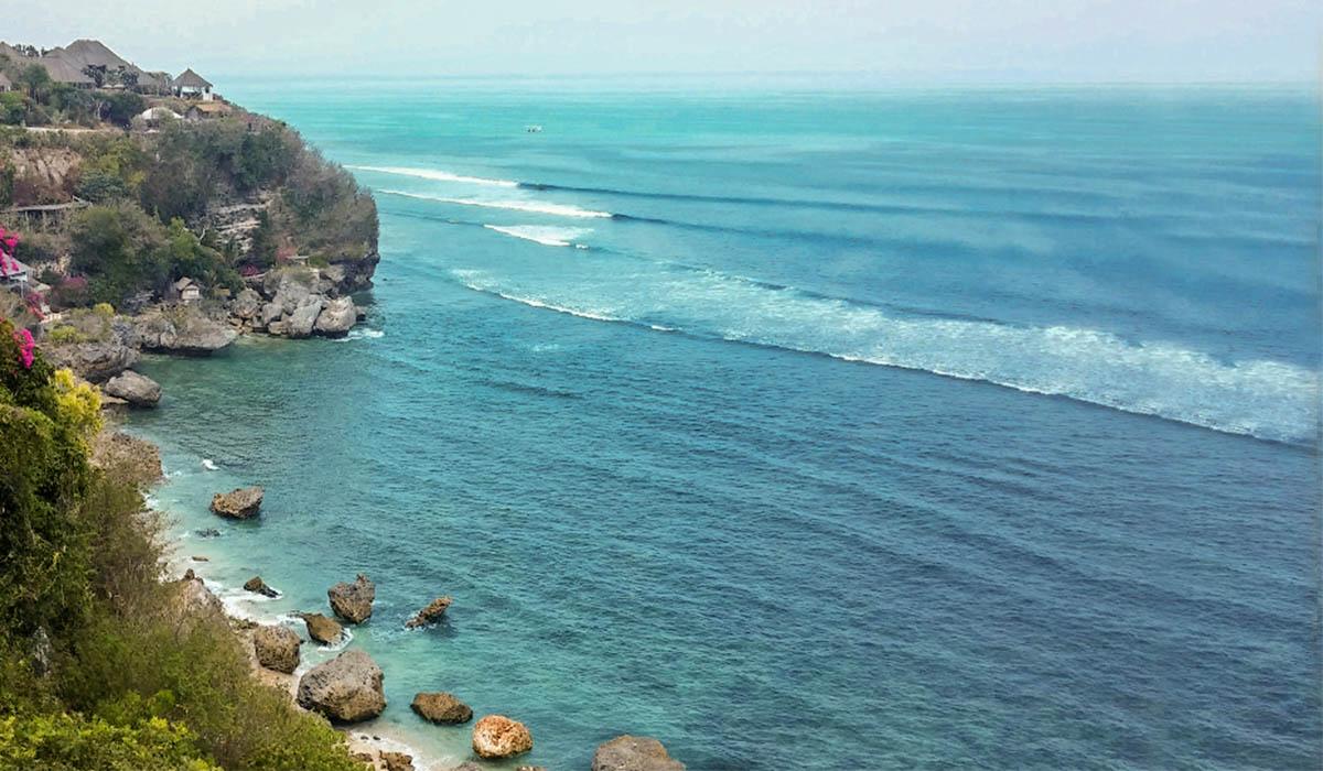 Vista dalla scogliera di Uluwatu, vicino a Nusa Dua