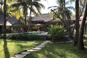 Il giardino del Captain Coconuts, un albergo di Gili Air