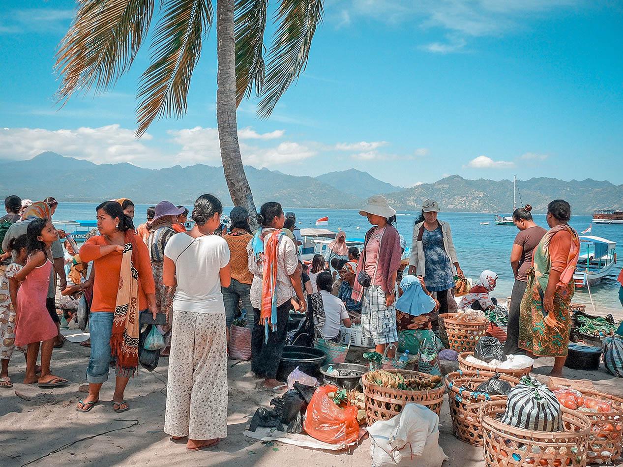 sbarco del mercato locale delle gili