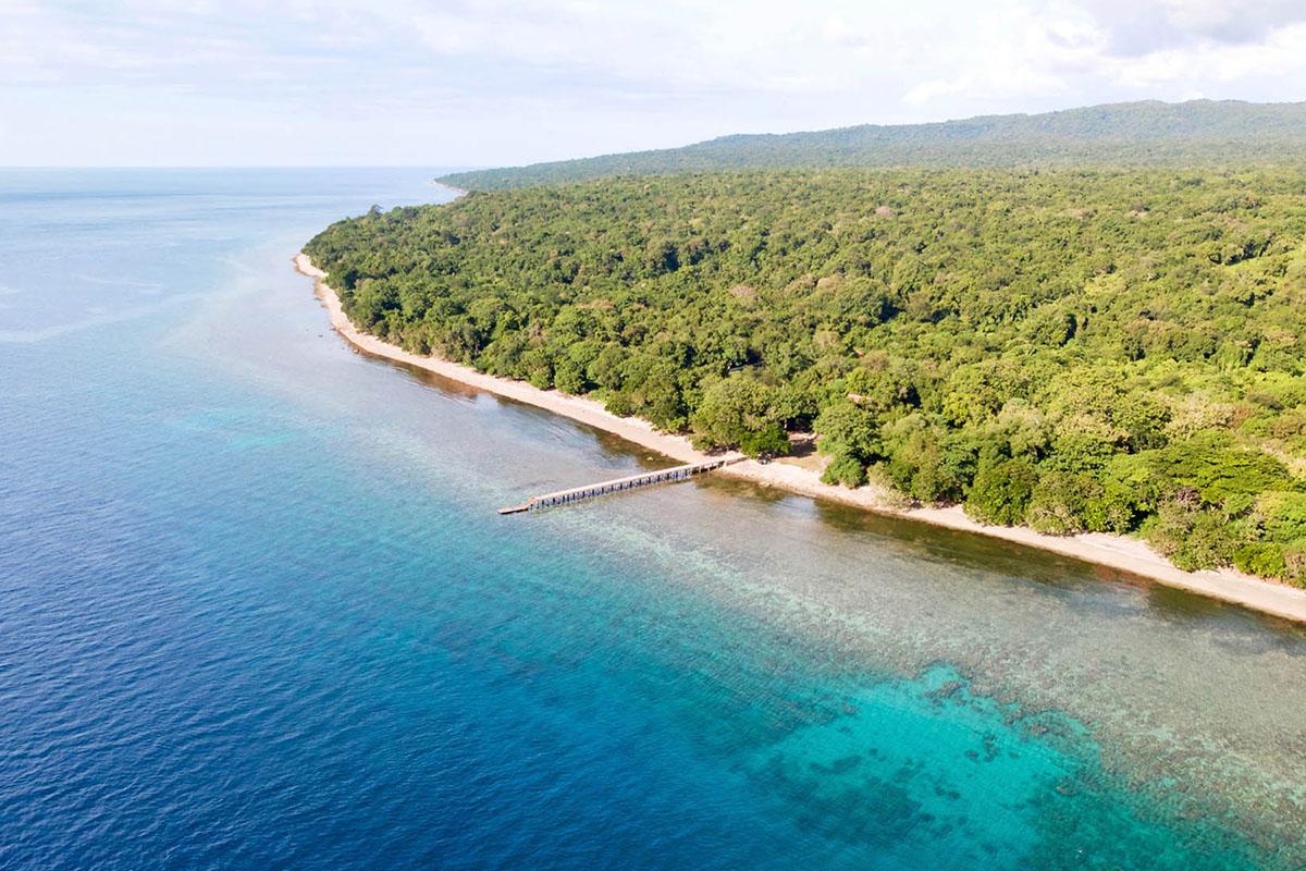 la costa di Moyo island