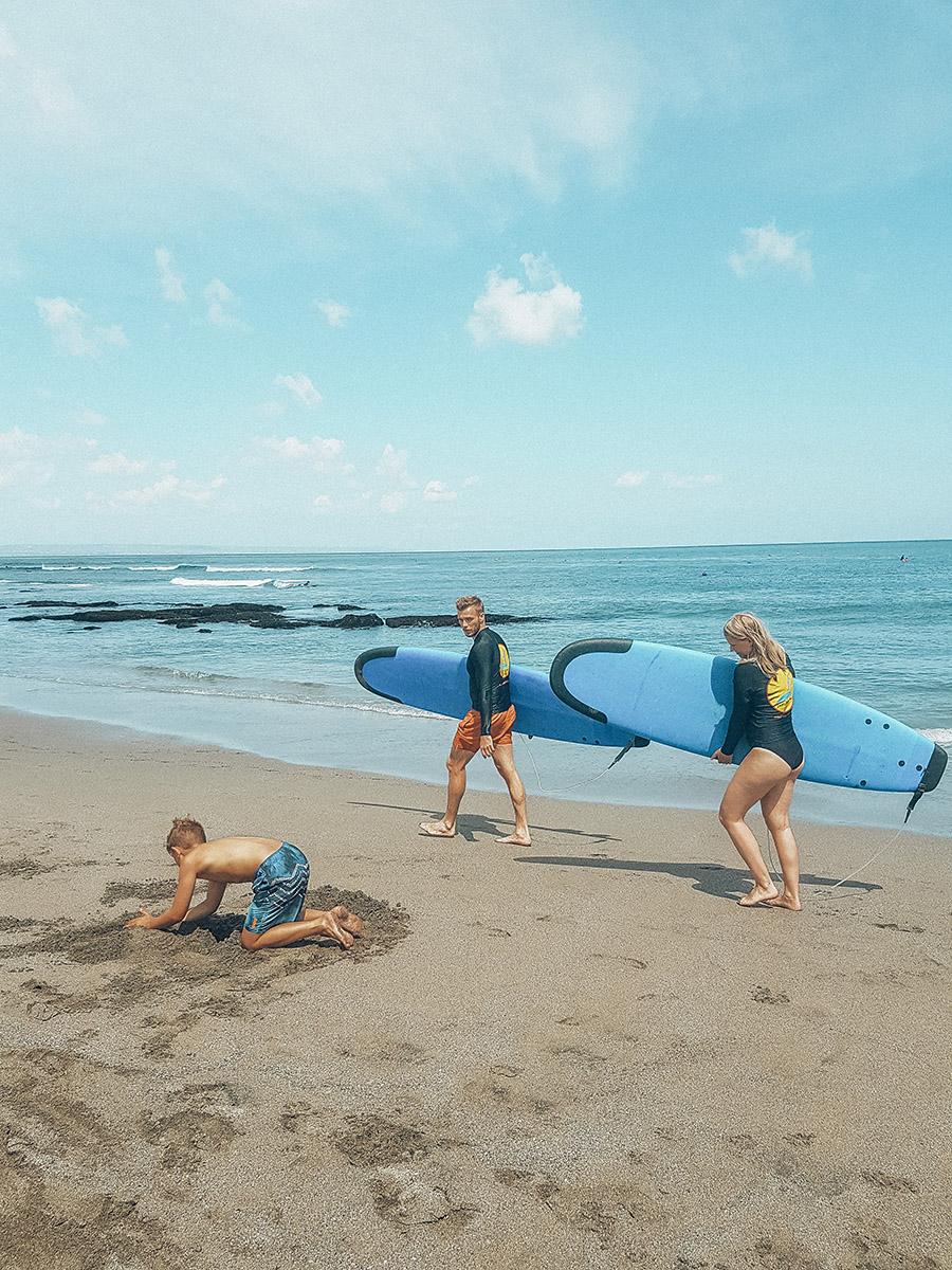 Canggu, surf in Batu Bolong.